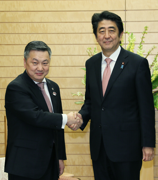 The Prime Minister Receives a Courtesy Call from the chairman of ...