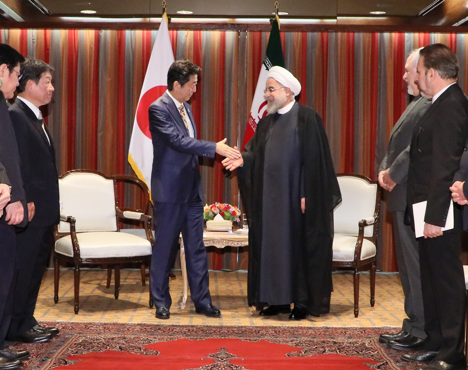 Photograph of the Japan-Iran Summit Meeting (2)