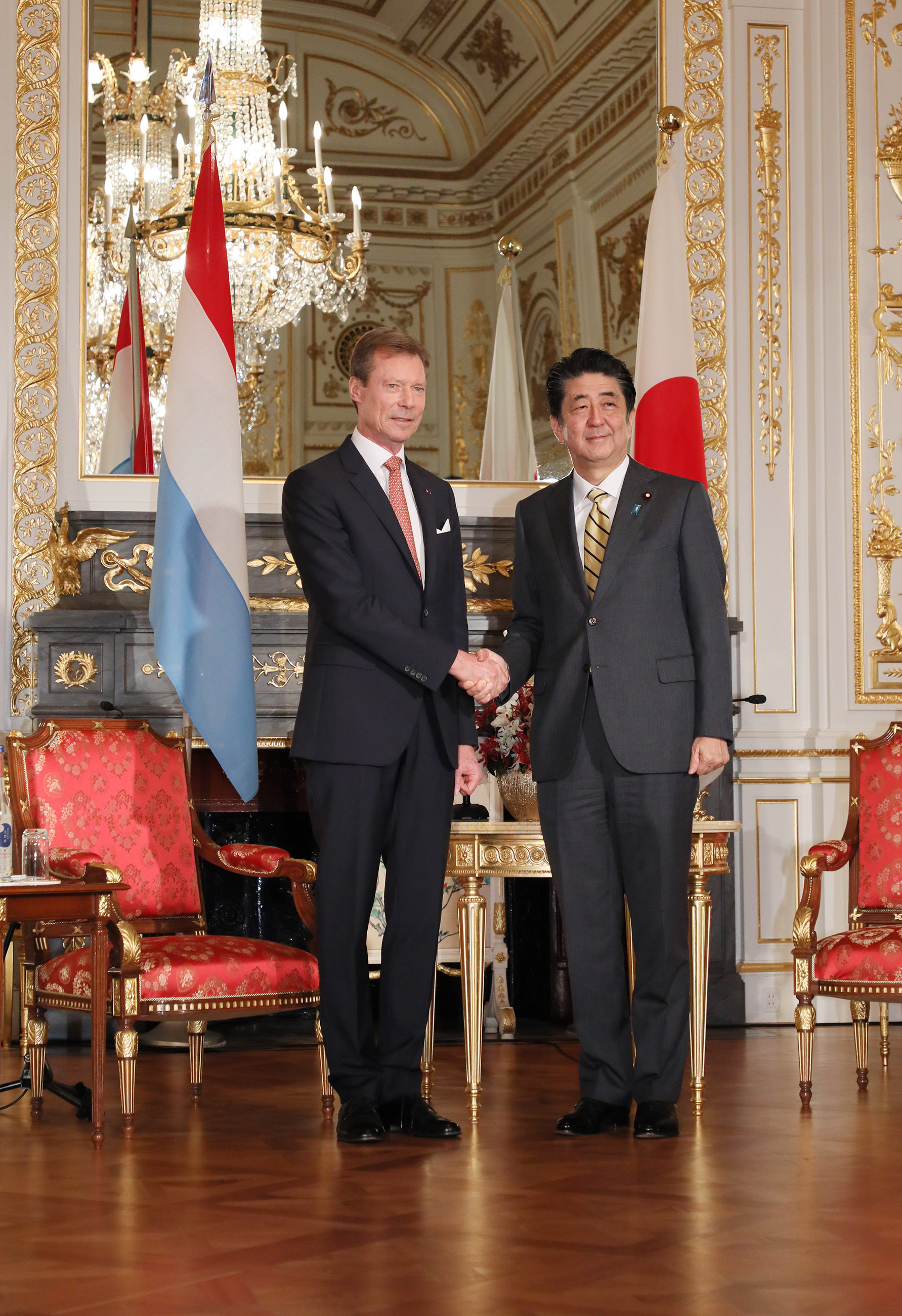 Photograph of the talk with the Grand Duke of Luxembourg (2)