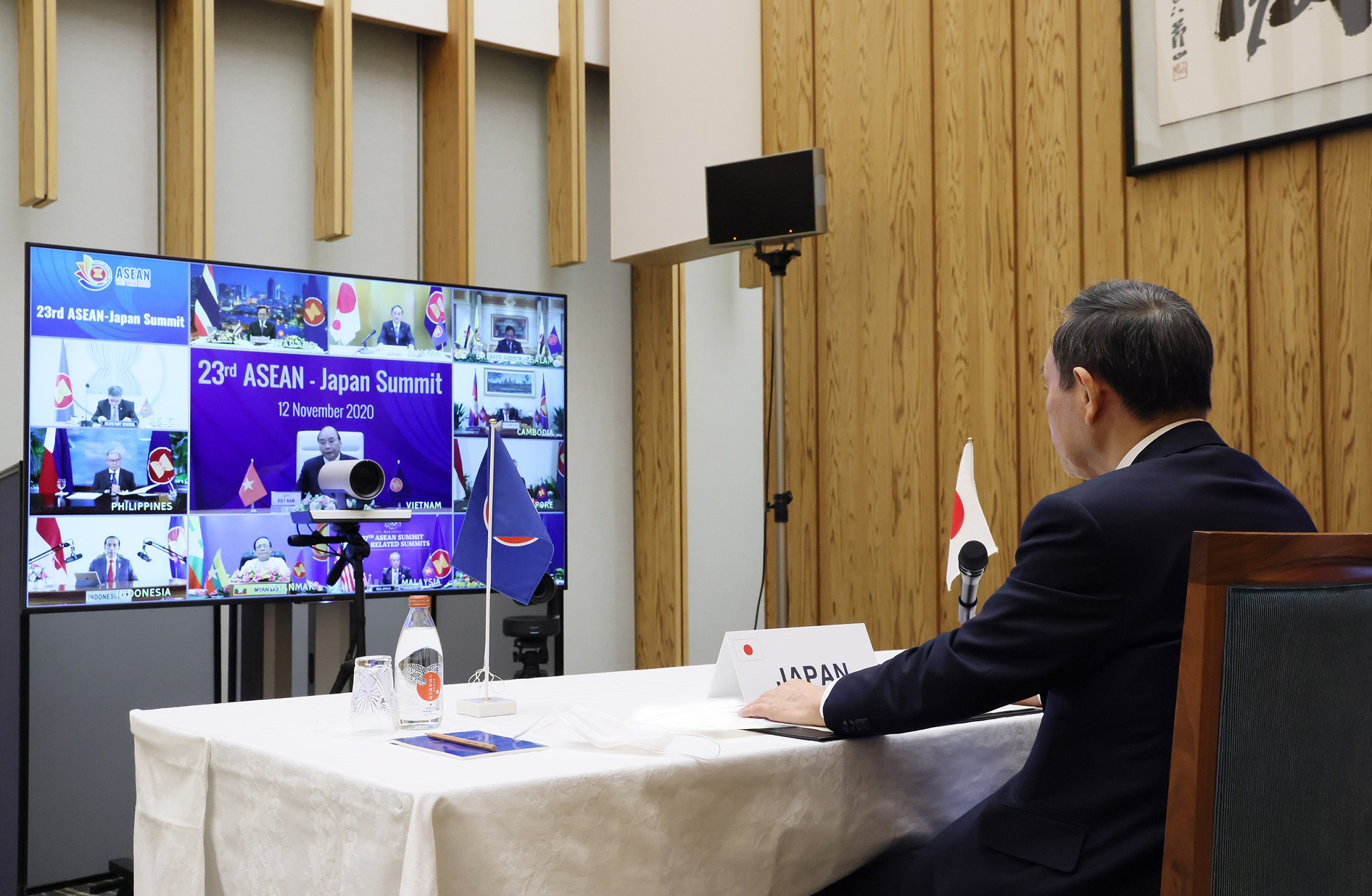 Photograph of the Prime Minister attending the video conference (3)