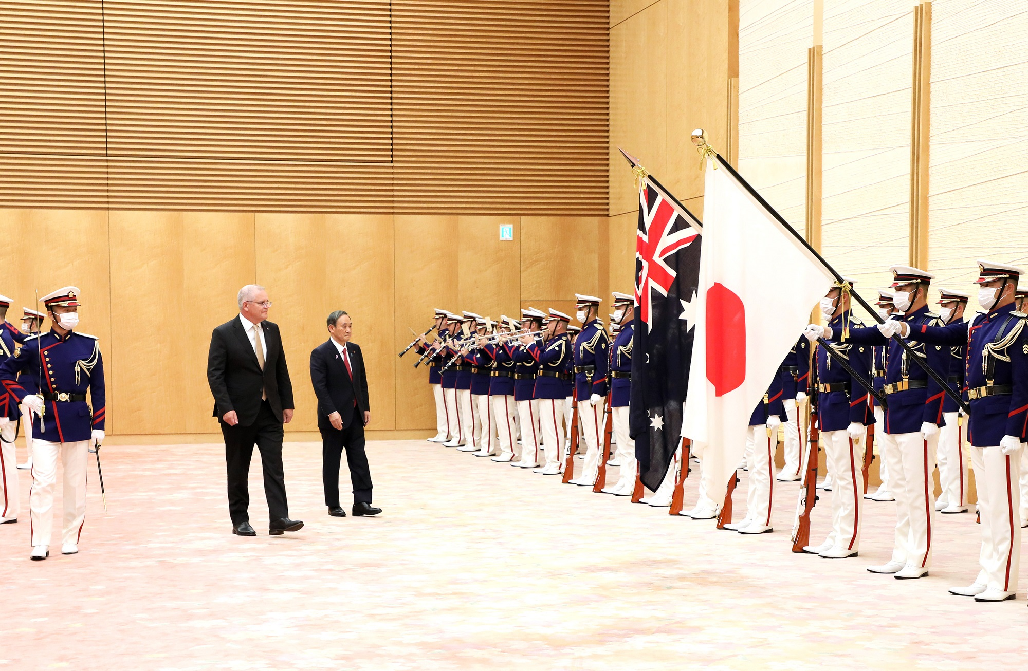 Photograph of the salute and the guard of honor ceremony (5)