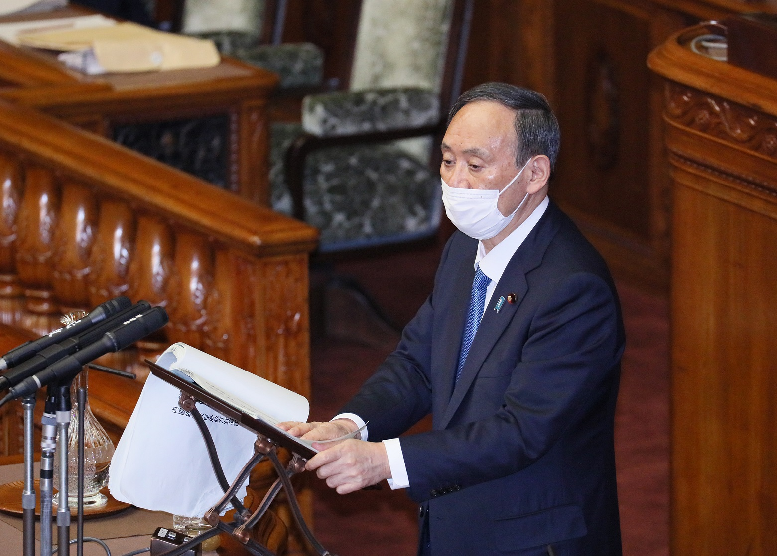 Photograph of the Prime Minister delivering a policy speech during the plenary session of the House of Councillors (3)