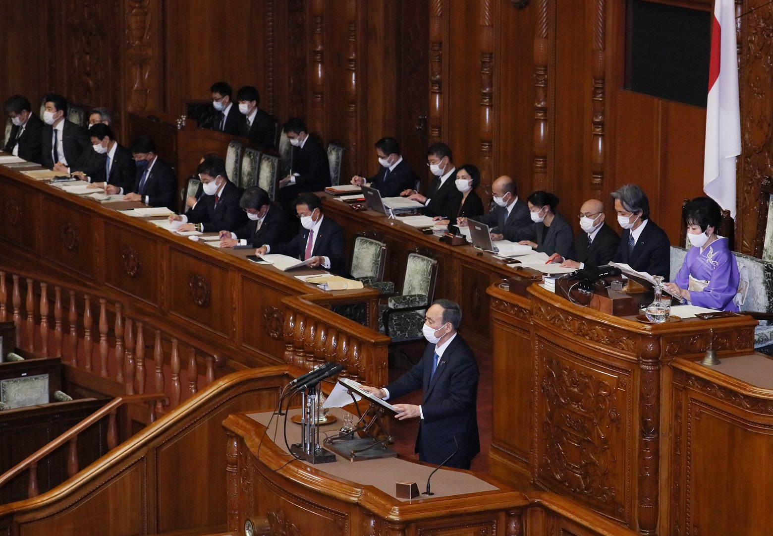 Photograph of the Prime Minister delivering a policy speech during the plenary session of the House of Councillors (6)