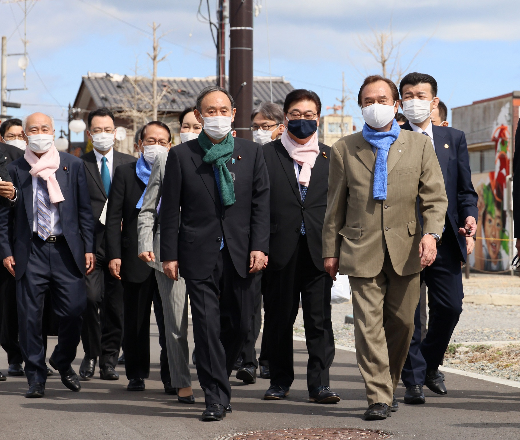 Photograph of the Prime Minister visiting Futaba Station (1)