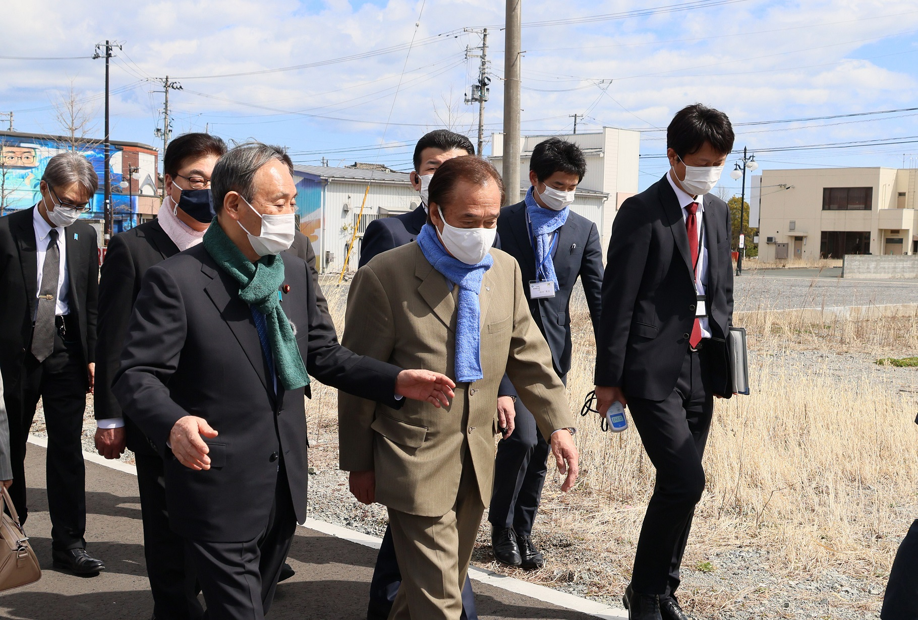 Photograph of the Prime Minister visiting Futaba Station (3)