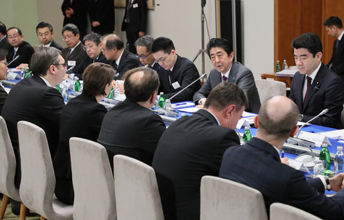 Photograph of the Japan-Serbia Summit Meeting (1)