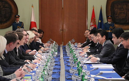 Photograph of the Japan-Serbia Summit Meeting (2)