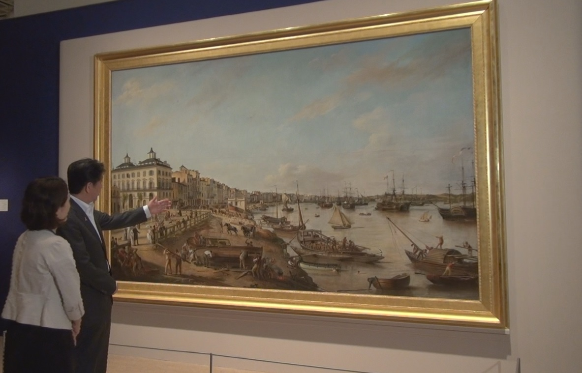 Photograph of the Prime Minister viewing View of the Port of Bordeaux and its Quays