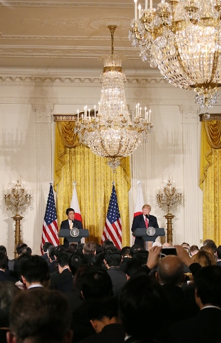 Photograph of the Japan-U.S. joint press conference (2)