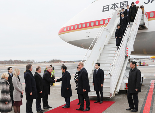 Photograph of the Prime Minister arriving in Estonia (3)