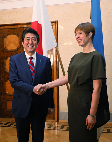 Photograph of the Prime Minister paying a courtesy call on the President of Estonia (1)