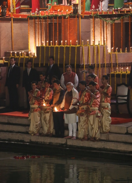 Photograph of the Prime Minister observing religious ceremonies at a ghat near the Ganges (1)