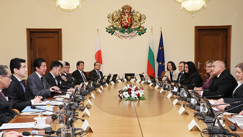 Photograph of the Japan-Bulgaria Summit Meeting