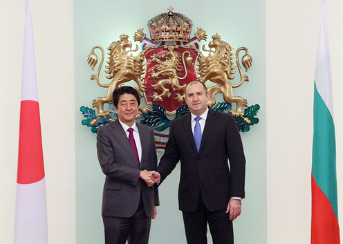 Photograph of the Prime Minister paying a courtesy call on the President of Bulgaria (2)