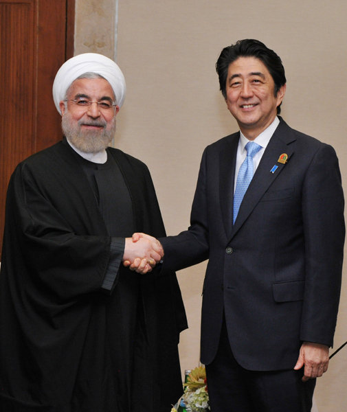 Photograph of the Prime Minister shaking hands with the President of Iran