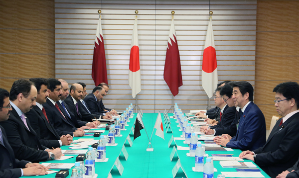 Photograph of the Japan-Qatar Summit Meeting