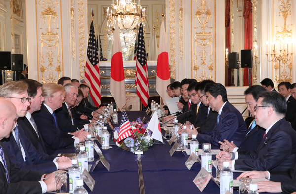 Photograph of the Japan-U.S. Summit Meeting (1)