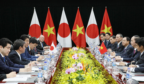 Photograph of the Prime Minister meeting with the President of Viet Nam