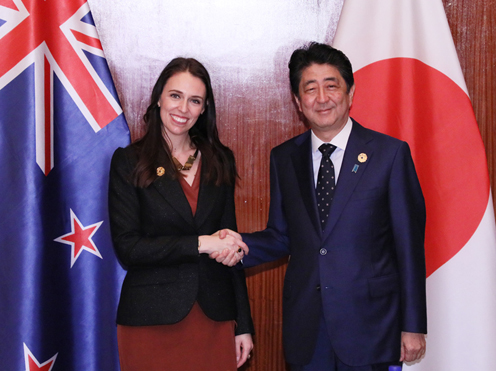 Photograph of the Prime Minister shaking hands with the Prime Minister of New Zealand