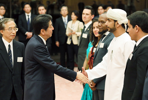 Photograph of the Prime Minister receiving the courtesy call (1)