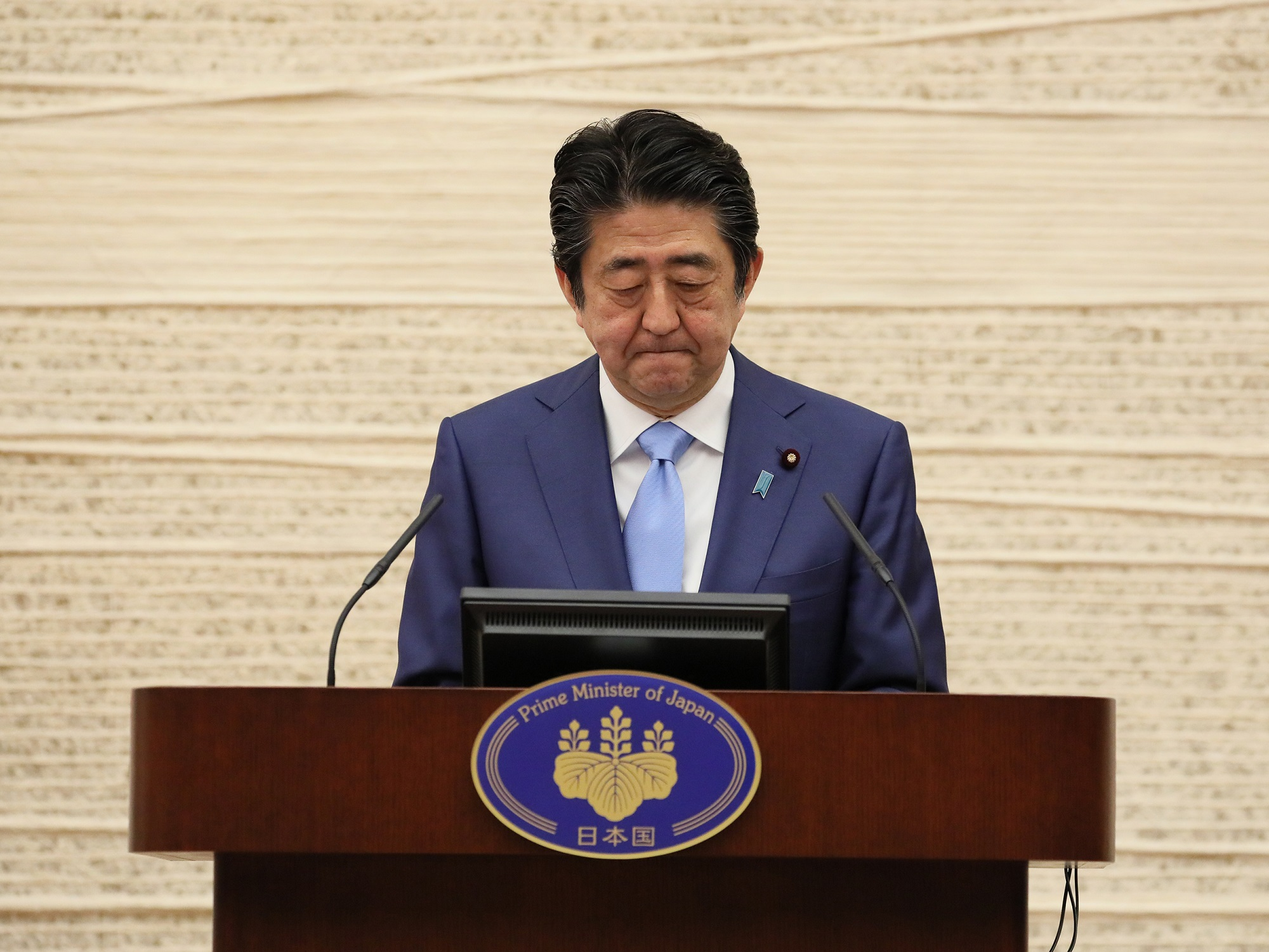 Photograph of the Prime Minister holding the press conference (7)