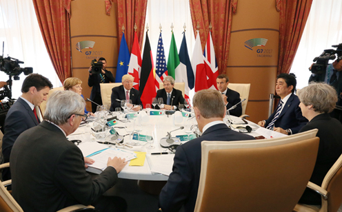 Photograph of Session 1: Foreign Policy and Security Issues (Working Lunch) (1)