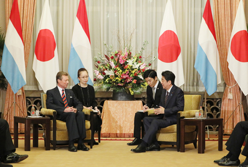 Photograph of the Prime Minister meeting with the Grand Duke of Luxembourg (2)